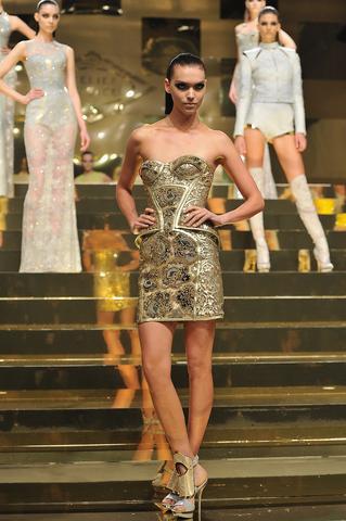 Versace2 Paris Fashion Week